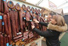 Veliki izbor suvog mesa / Foto D.Kadarević
